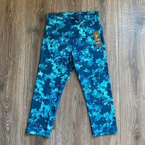 Old Navy Active High Rise Fitted Crop Medium